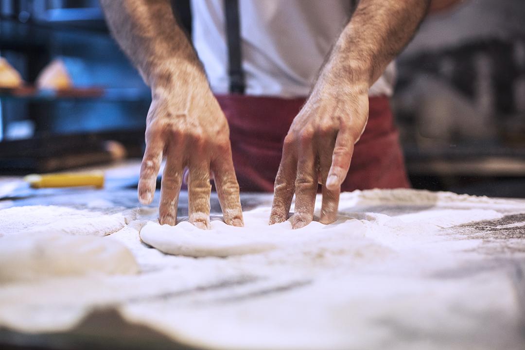 Come si preparar la pizza al padellino a Torino